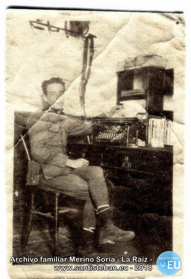 Remigio Higueras Ruiz, celador de telégrafos, segundo hijo de Lorenza Ruiz.