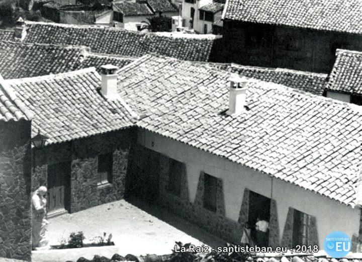 Casas para los pobres ya construidas sobre el solar. Fotografía de A. Navarrete, década de los 60. Fondo documental del Instituto de Estudios Gienenses.