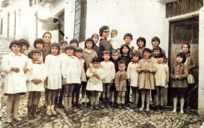 Escuela de Deogracias. Calle Cádiz. Maestra Doña Gertrudis La Cordobesa. Año 1960. Informante: Don Diego.