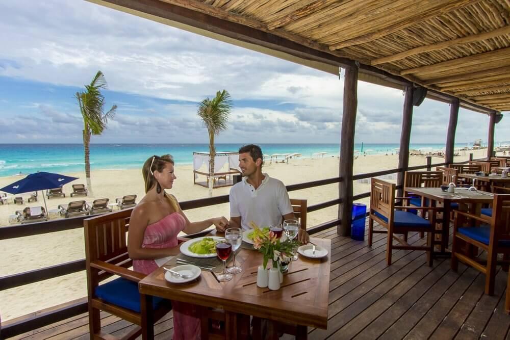 From-Santo-Domingo-to-Las-Terrenas-Restaurant-View