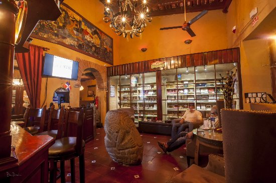 Dominican Cigars - Tabaco & Ron Cigar Club
