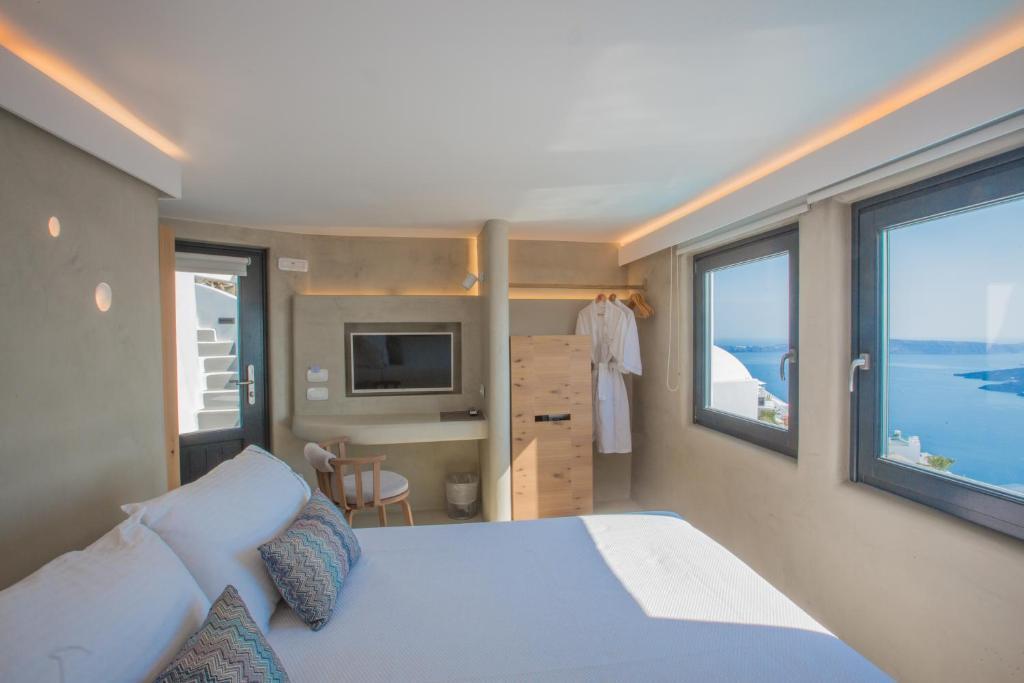 نتيجة بحث الصور عن Chic Hotel Santorini