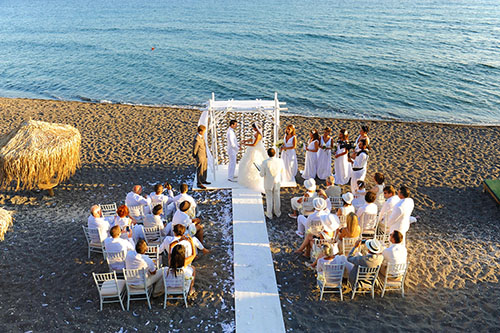 santorini-elopement-beach