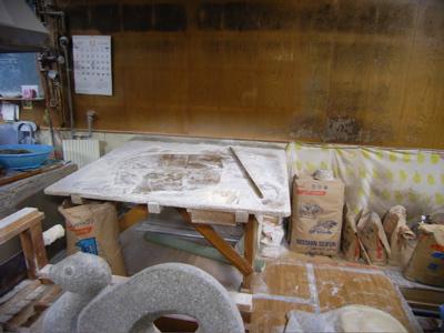 松家製麺所:麺打ち台、麺切り機