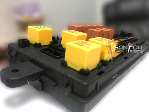 SK200-8 Fuse Box YN24E00016F2 Fuse Box For Kobelco Machine