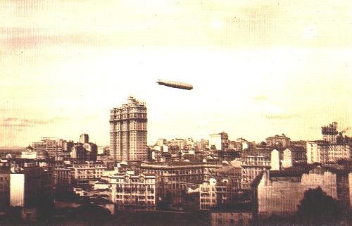 Zeppelin sobrevoa o Martinelli em 1933