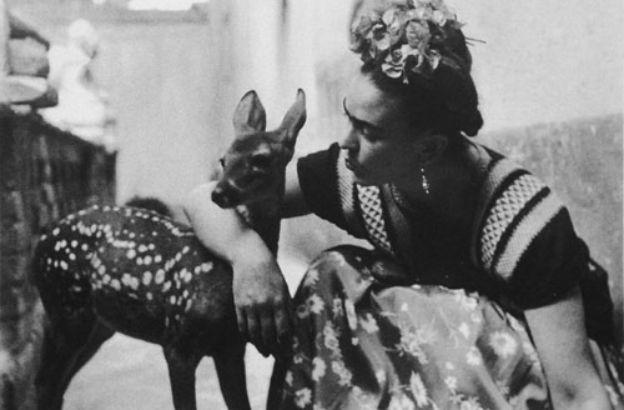 Frida Kahlo, la vita di una pittrice divisa tra arte, malattia e passione | Sapere.it