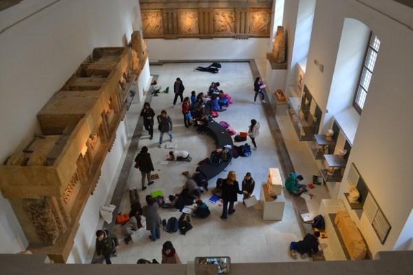 Il Museo archeologico di Palermo, una vista dall'alto in una sala