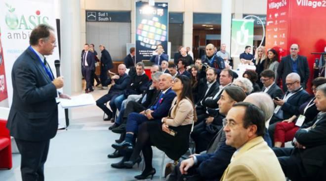 Alessandro Cecchi Paone di fronte al pubblico del Green innovation award