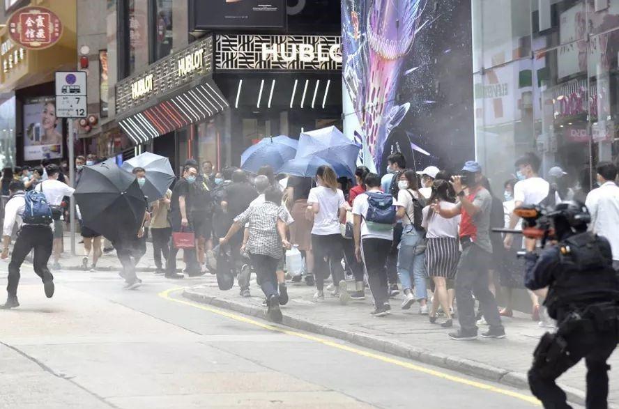 Scontri ad Hong Kong durante le manifestazioni contro La legge di sicurezza nazionale