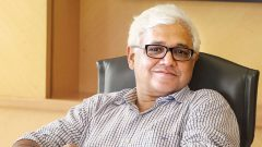 Lo scrittore e antropologo indiano Amitav Ghosh