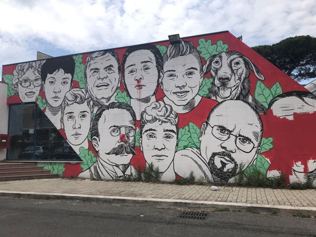Il murales di Lucamaleonte a Ostia