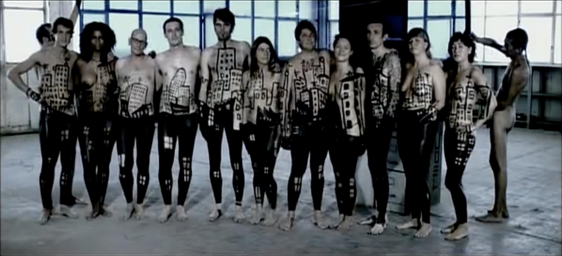 """Saps que el videoclip """"Gente Fea"""" del grup de música """"El Tío Carlos"""" es va gravar a la Mobba?"""