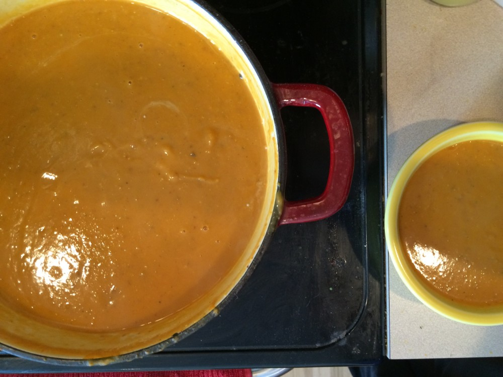 curried sweet potato soup [whole30]