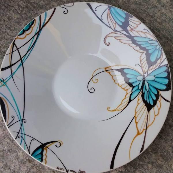 Piatto in porcellana farfalle