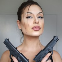 Lara Croft Cosplay Makeup - Angelina Jolie