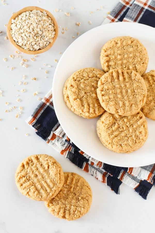 Gluten Free Vegan Peanut Butter Oatmeal Cookies. Chewy, soft and just the perfect peanut butter cookie!