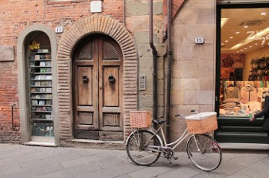 vélo et porte ville lucca
