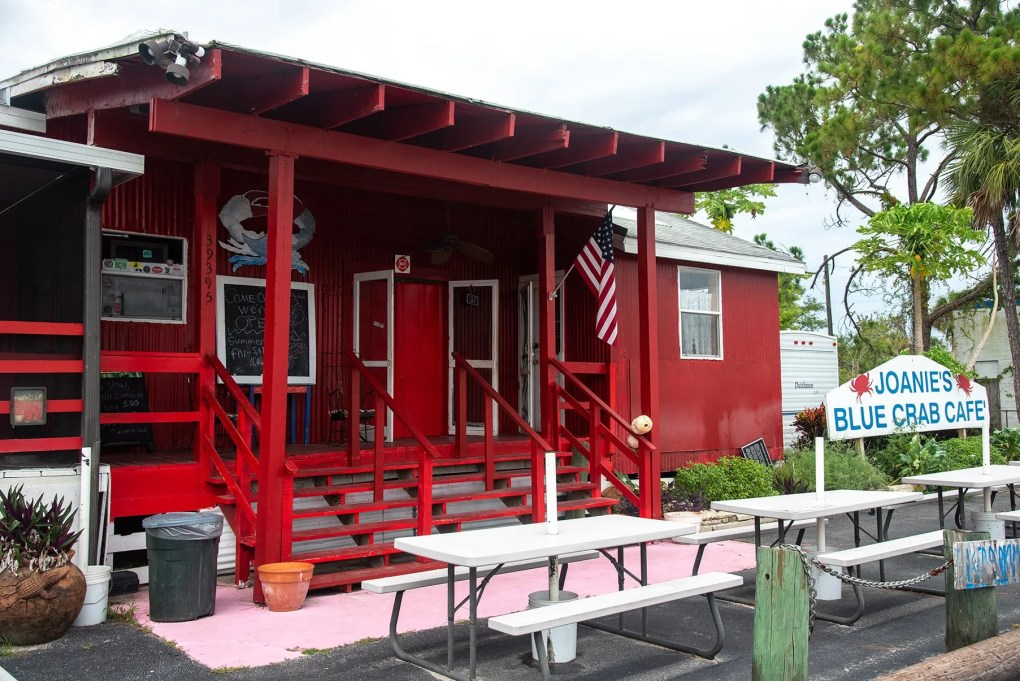 Joanie's blue crab café, Everglades