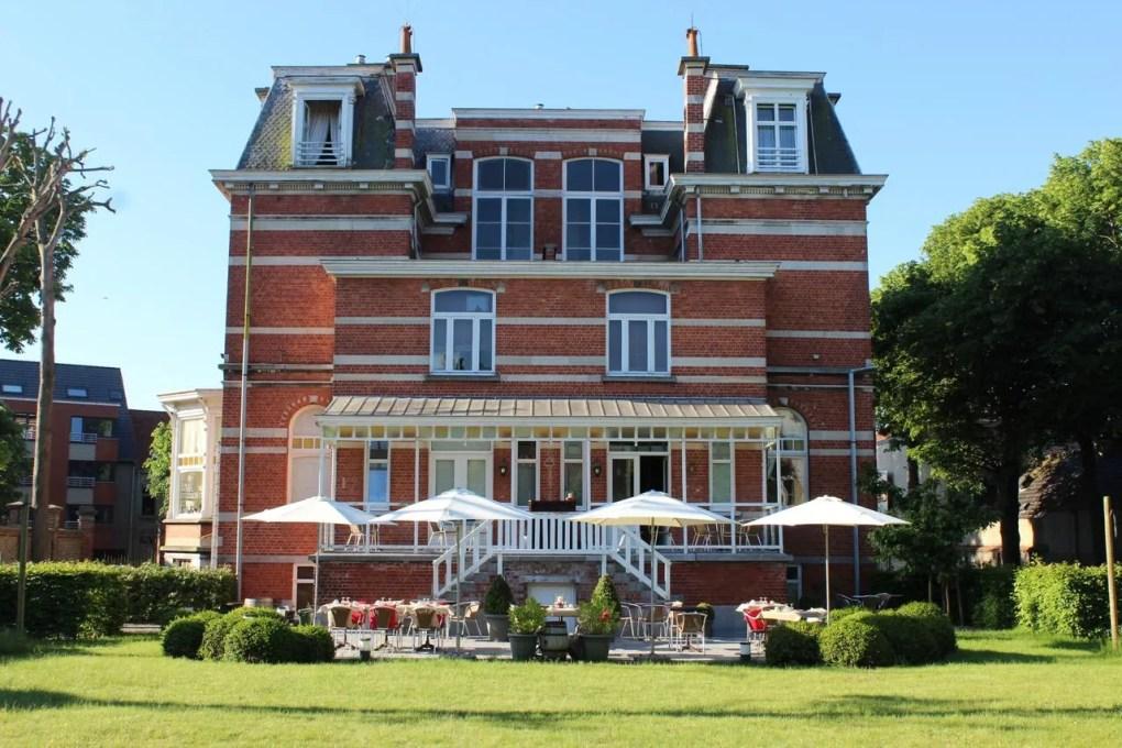 B&B 't kasteel & 't koetshuys in Veurne