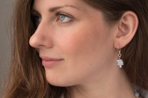 website_pearl_bluelace__model_earring2-1321