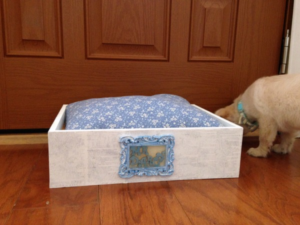 Mr. Darcy Shabby Chic Pet Bed DIY Tutorial