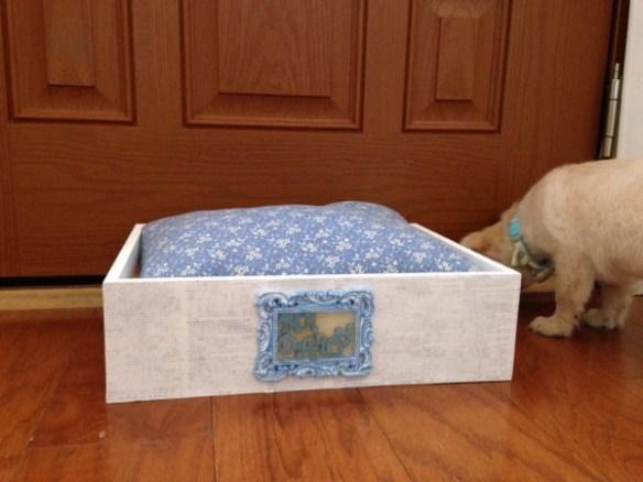 Mr. Darcy Shabby Chic Pet Bed DIY Tutorial