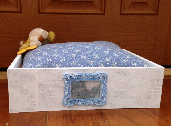 Mr. Darcy's Shabby Chic Pet Bed DIY Tutorial