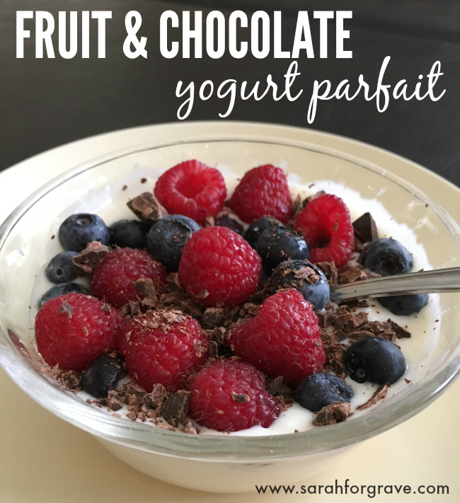 fruit-chocolate-yogurt-parfait