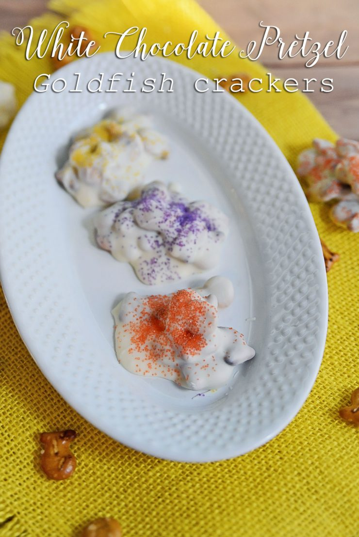 White Chocolate Pretzel Goldfish crackers | #ad #GoldfishMix #CollectiveBias