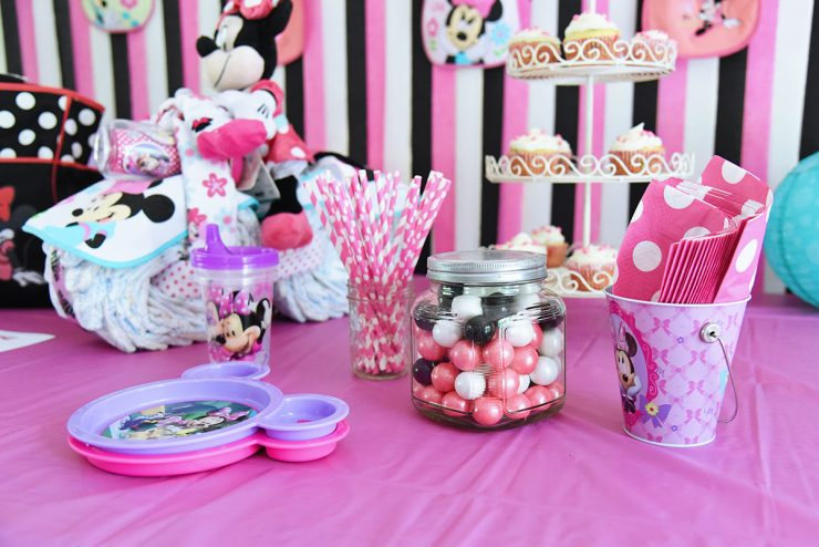 Minnie-Mouse-Baby-Shower-Decorations