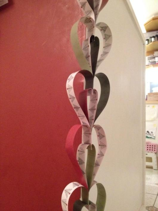 heart hanging paper chains