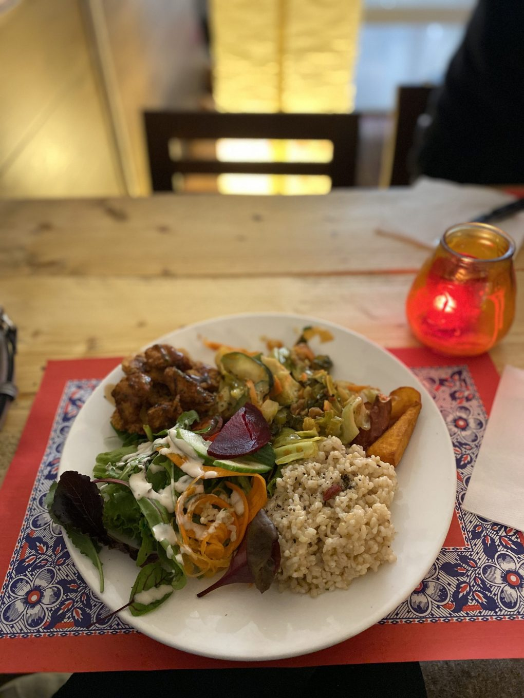 Vegan Amsterdam: Vegan plate at Terrazen Centre