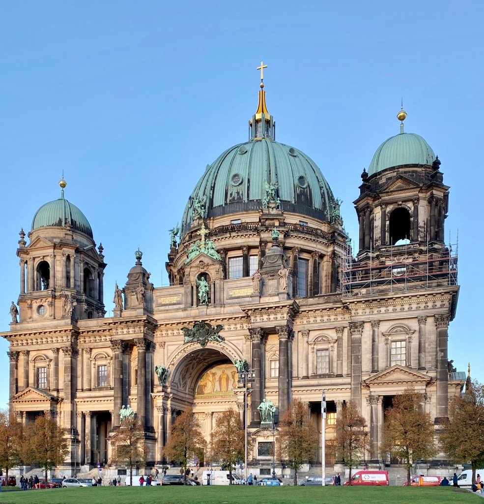 berlin cathedral: view from the lawn