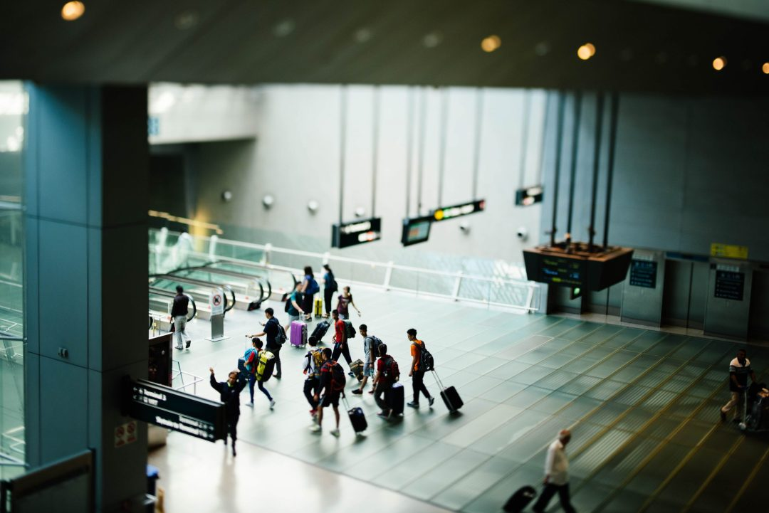 safety solo female travelers: airport