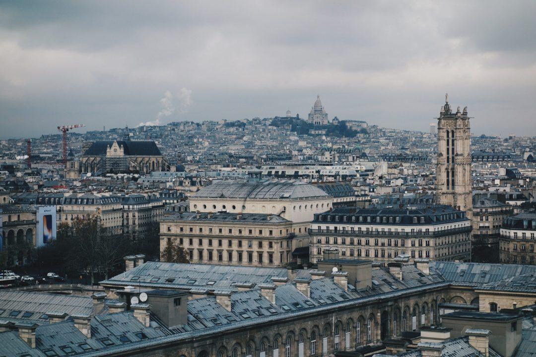 safety solo female travelers: Sacré Coeur