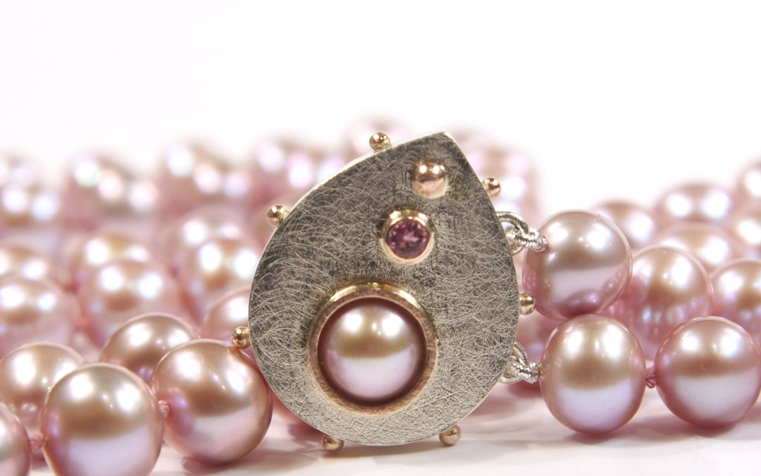 Heather's Lilac Pearl Necklace With Gold Drop-Shaped Box-Clasp