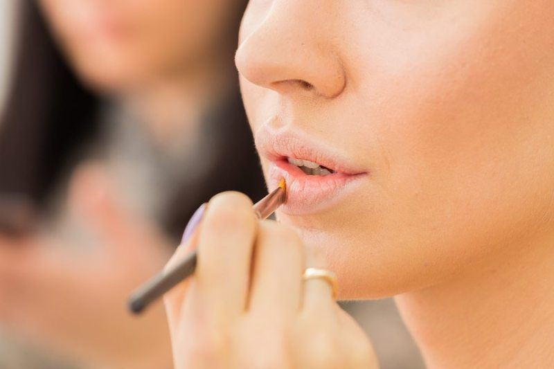 Fall-Trend-Barely-There-Lipstick