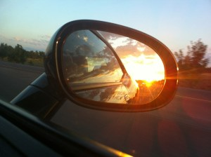 rear-view-mirror-363951_1280