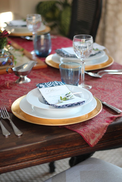 Shine Your Light Thanksgiving Tablescape