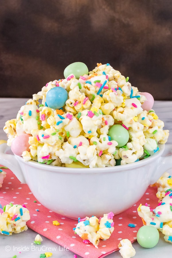 Your kids are going to love this colorful popcorn full of sweet treats!