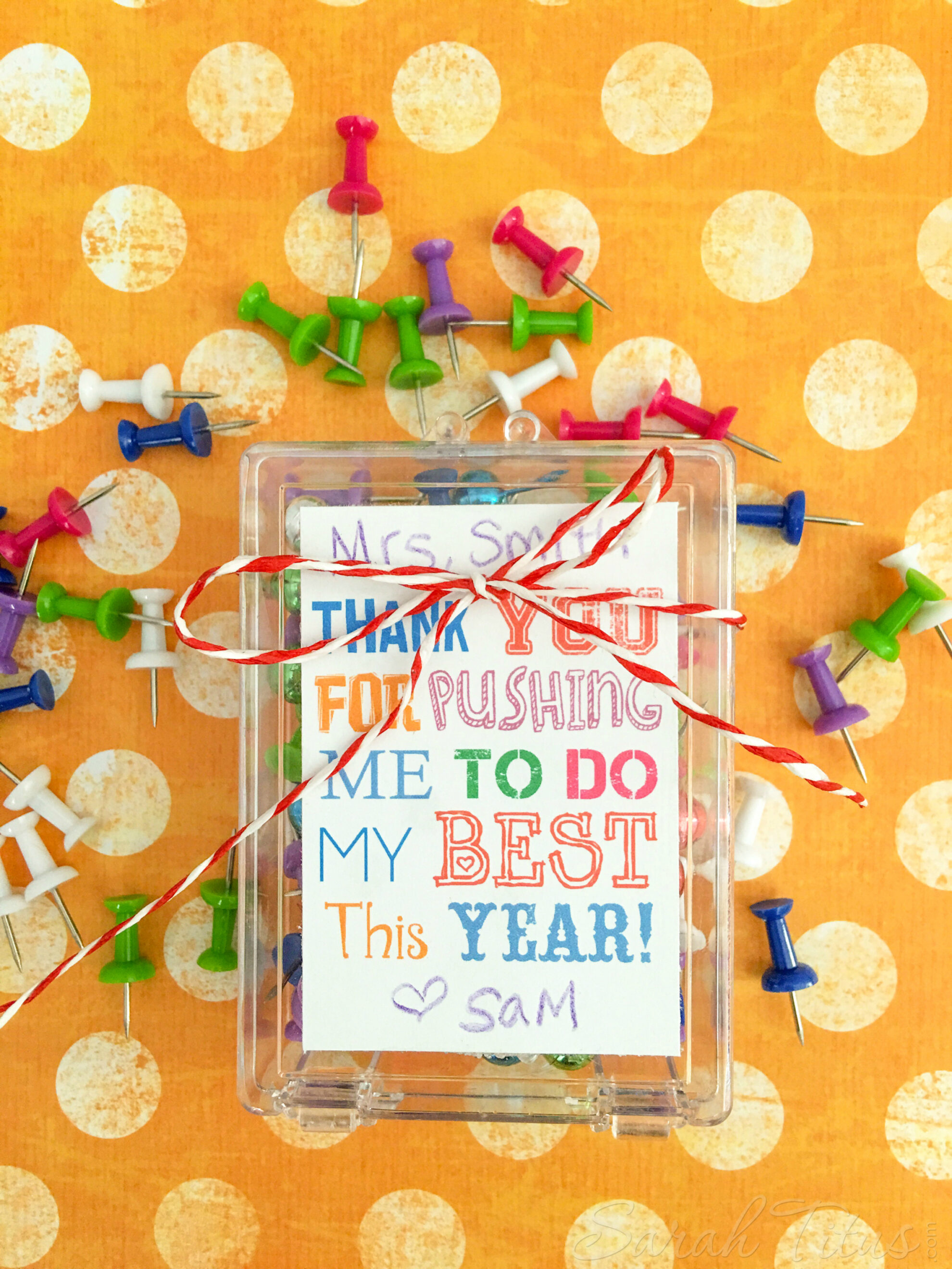 Show your appreciation with this cute & easy to make teacher appreciation gift idea free printable - thank you for pushing me to do my best this year!