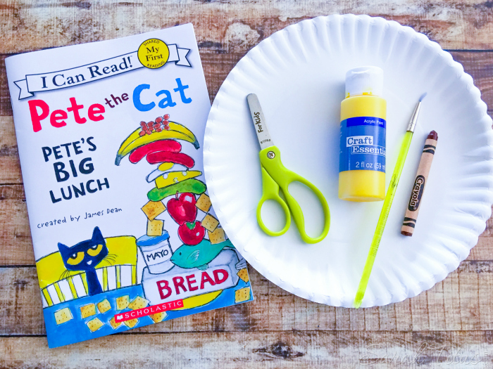 Cutest Toddler Paper Plate Crafts - This Pete and Cat banana craft will bring your storybook to life with your little ones and be a fun project for all!