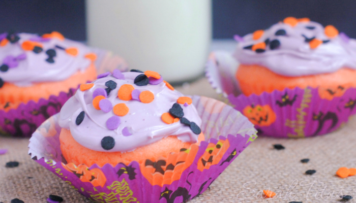 Purple, orange and black Halloween Party cupcakes in Halloween cupcake papers