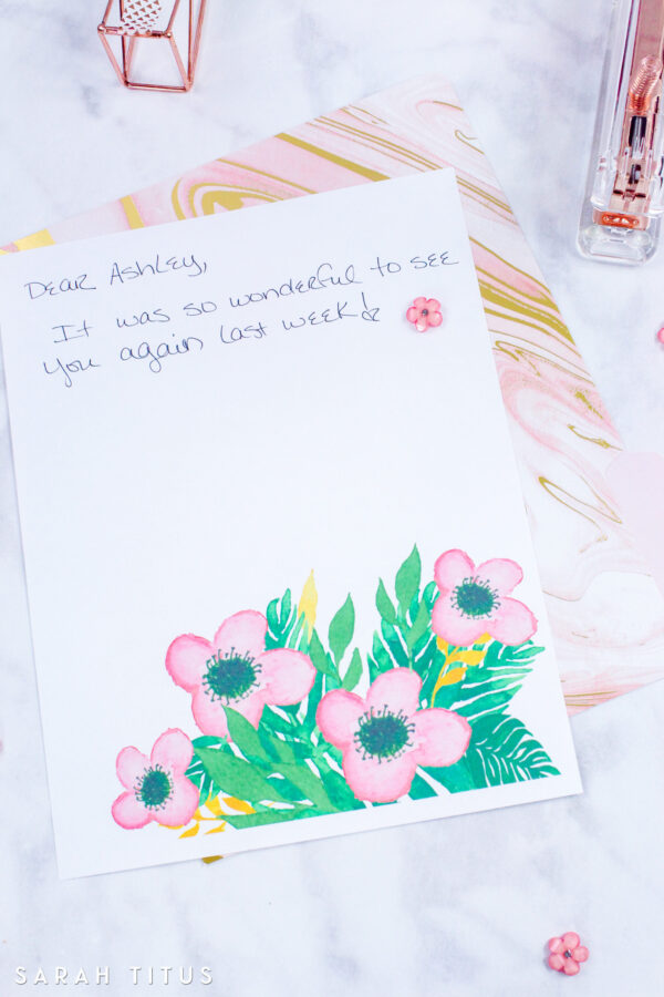 This flowers stationary is the perfect thing to have on hand when you want to write a note to someone, want to send a thank you note, or just want to brighten someone's day!