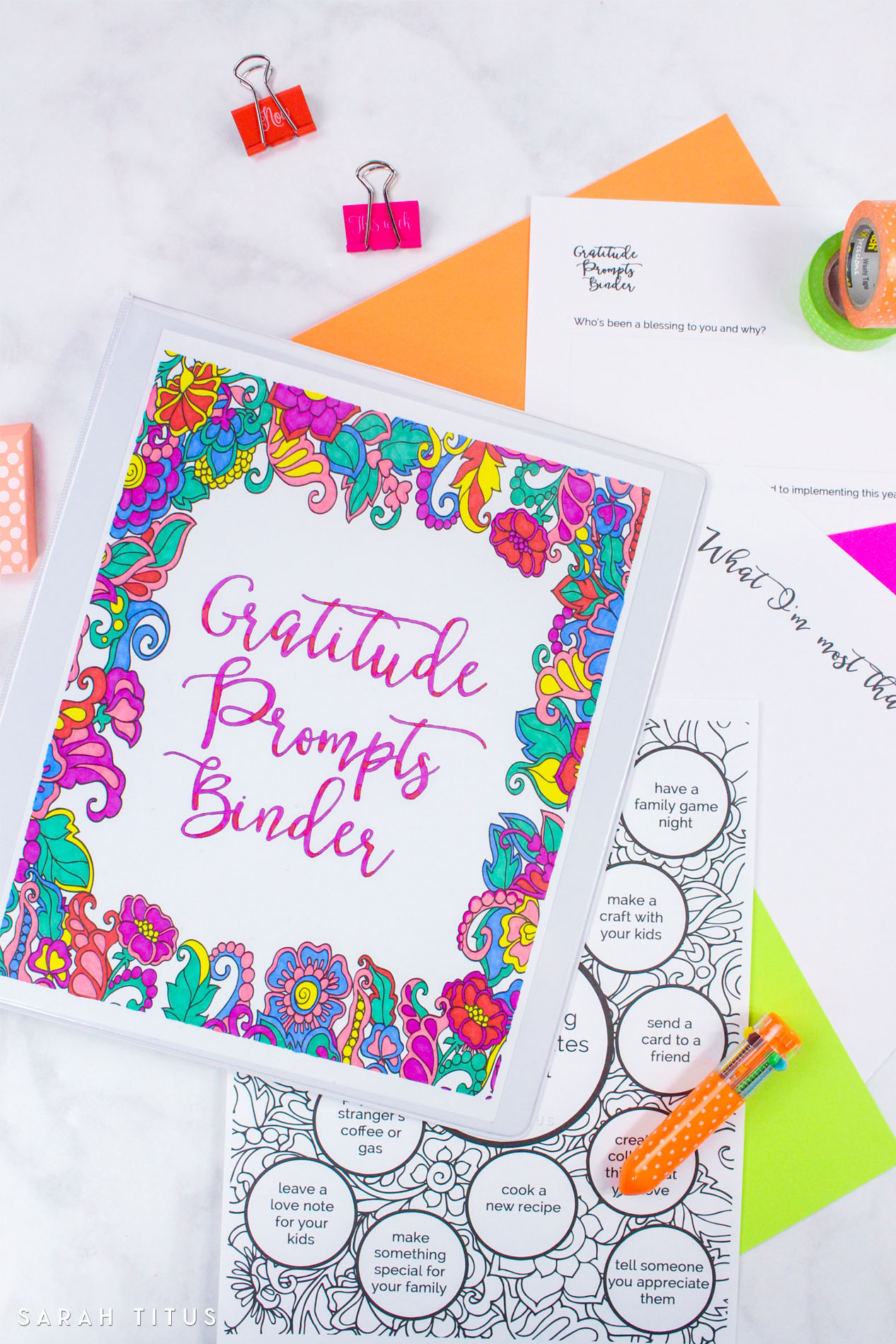 This 16-page coloring gratitude prompts binder is a fun way to help you relax, coloring and melting your stress away, all the while, asking you questions that dig deeper and help you find more meaning and thankfulness in and for your life. #gratitudeprompts #gratitudepromptsbinder