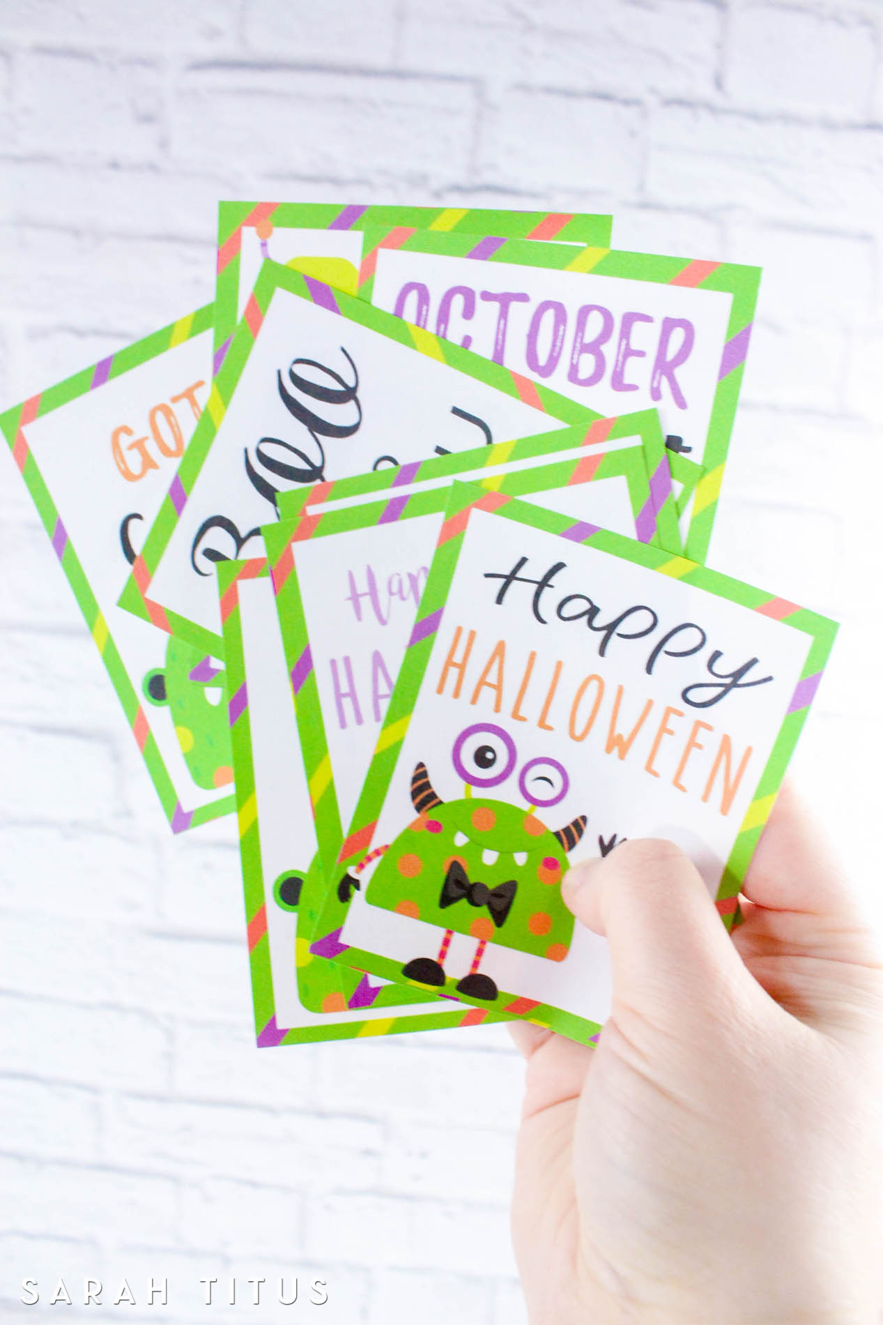 No need to go to the store and pay $10 for cards this Halloween. Simply print these cards out FOR FREE!#halloweencards
