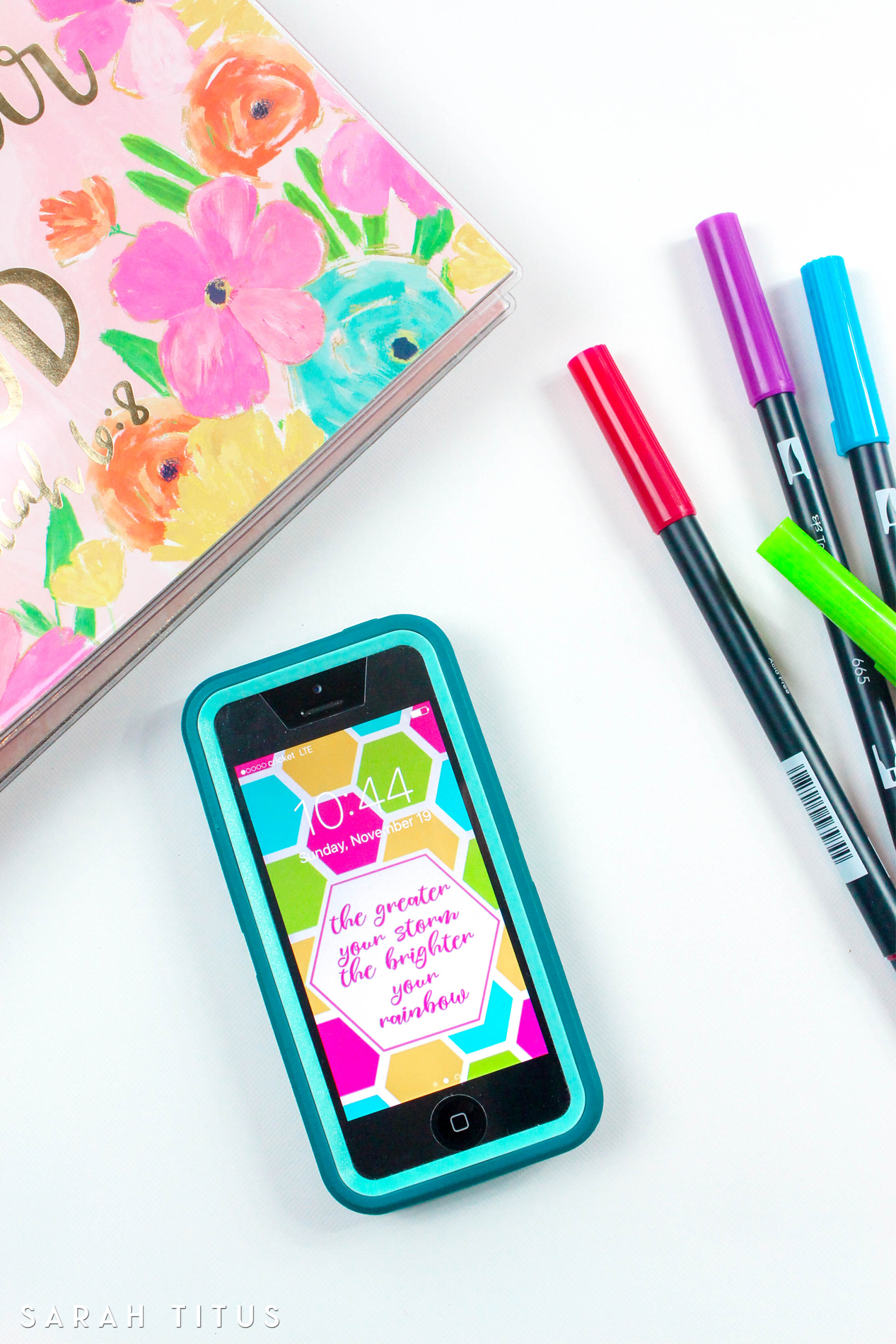 If you like big, bold colors, these free phone wallpapers including inspirational and motivational quotes are perfect for you!