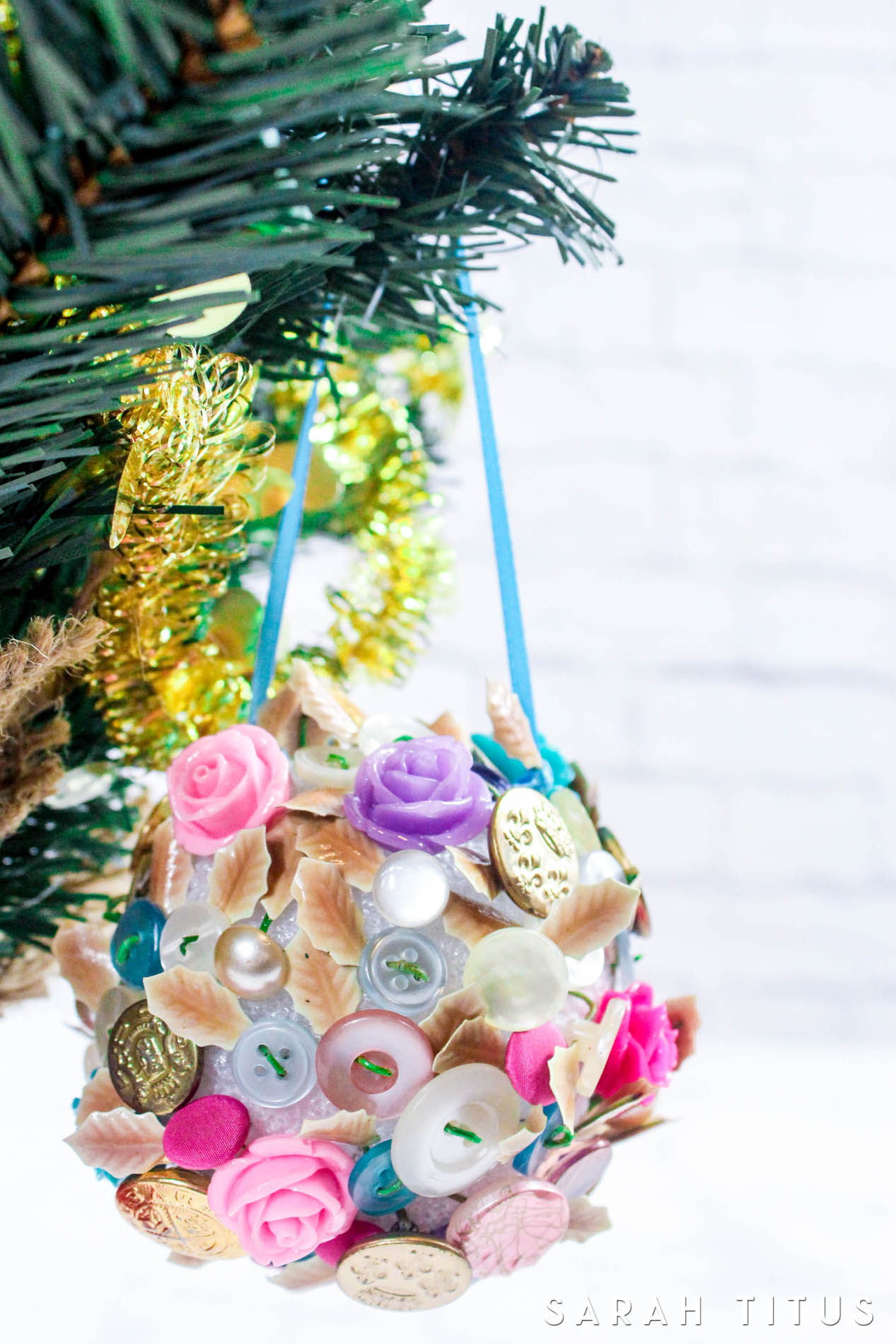 Make a button Christmas tree ornament for the holidays!