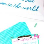 There are easy words and hard words to trace in this Happy Mother's Day Free Hand Lettering Practice Sheet, perfect for the beginner and the advanced hand letterer. #handlettering